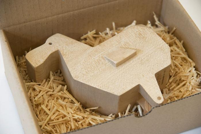 holztiere von studio alburno dinos waren gestern goldspatz. Black Bedroom Furniture Sets. Home Design Ideas